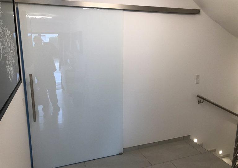 Ganzglasanlage Glas modern